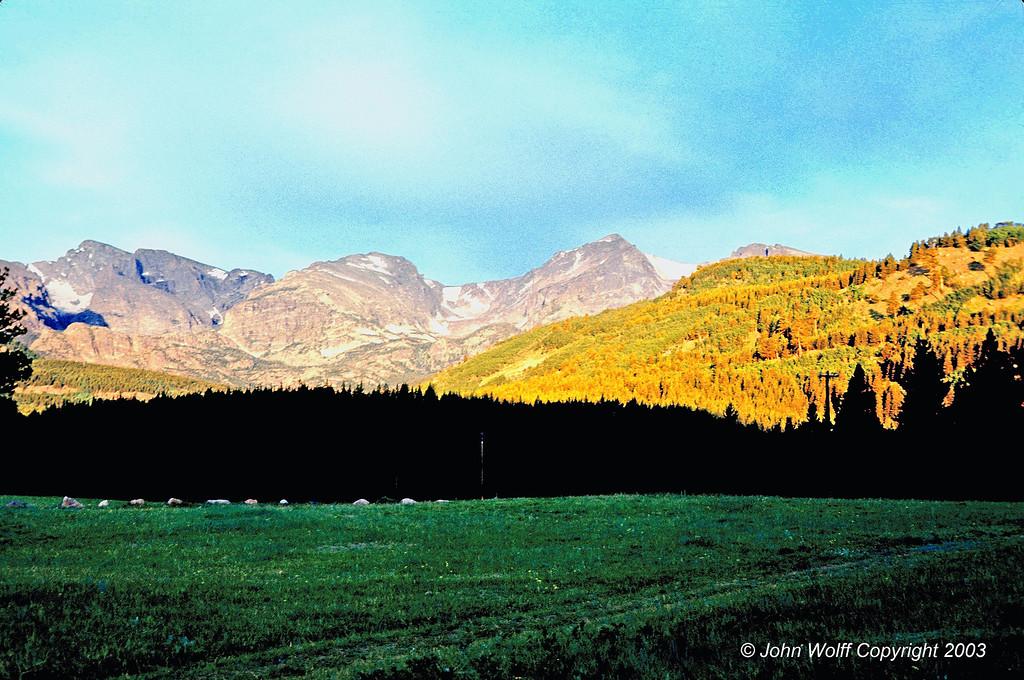 <b> Rocky Mountain Sunrise - Colorado </b>