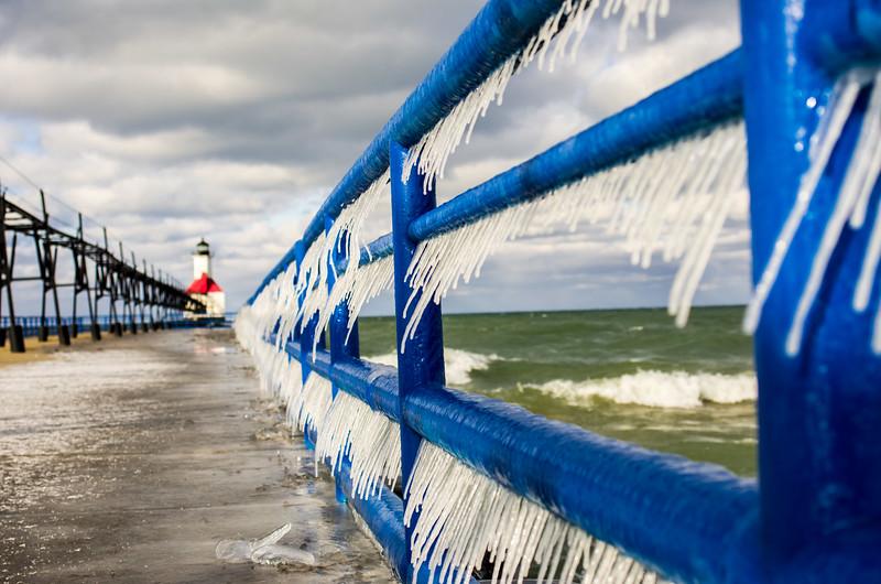 Wind+waves+pier+freezing temperatures = slanted icycle