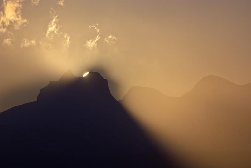 Sunrise behind Børvasstindan III