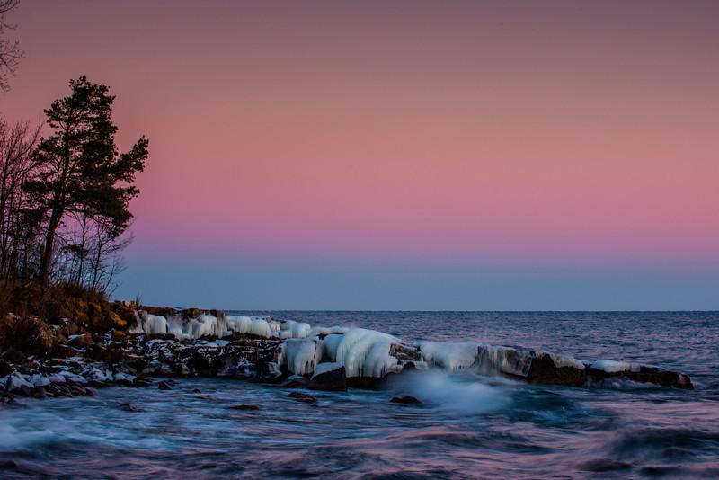MNwN-13-29: Lake Superior twilight glow