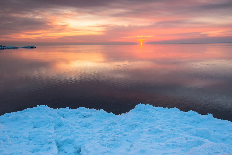 MNWN-13-76: Winter sunrise on Brighton Beach