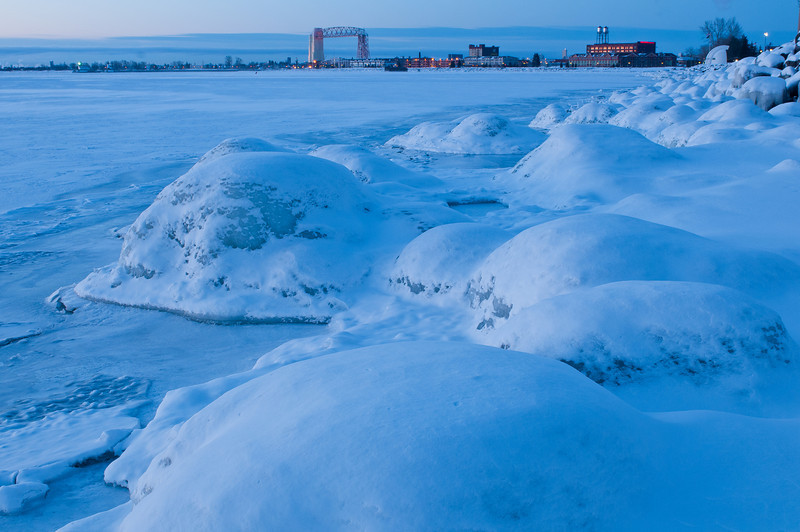 MNWN-11029: Winter morning at Duluth Harbor