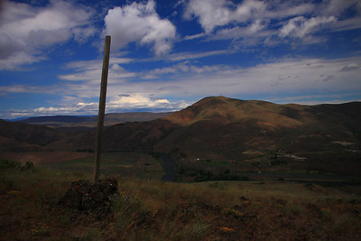 Trail Post on the Yakima Rim Trail.