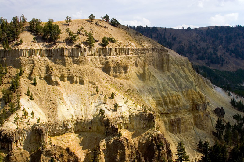 """<i><h2>""""Grand Canyon of the Yellowstone""""</i></h2>"""