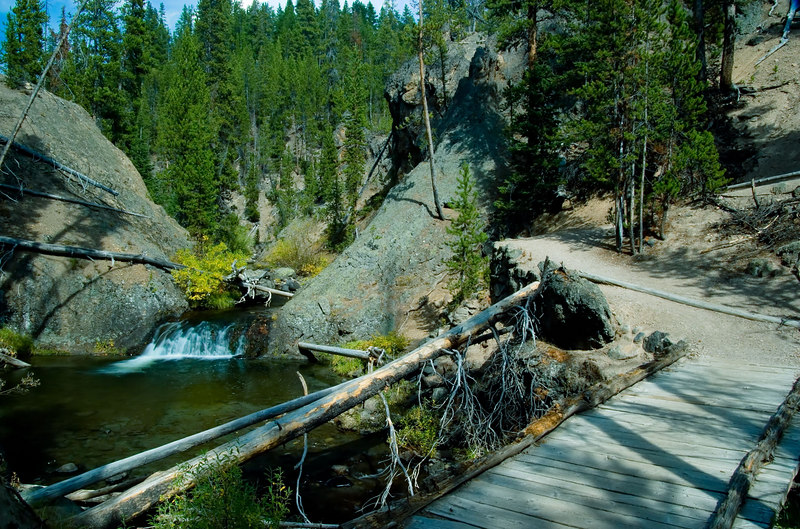 "<i><h2>""Near the Grand Canyon of the Yellowstone""</i></h2>"