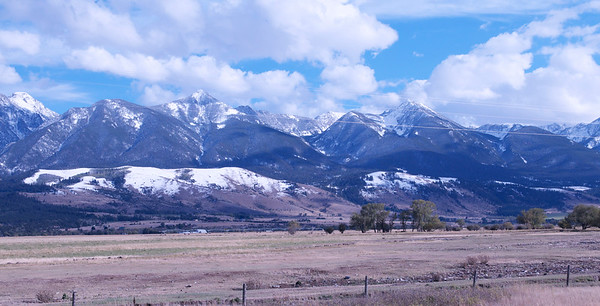 Bear Tooth mountains