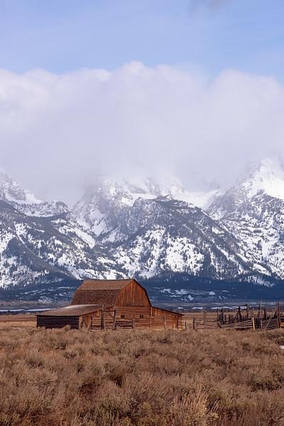 mormon_barn_01