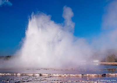 Great Fountain geyser can erupt to more than 80 feet high, and an event lasts more than 20 minutes.