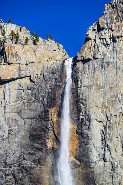 Yosemite-Falls-Yosemite-National-Park-Spring-Waterfall-Base_D8X3538