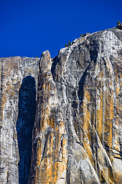 Lost-Arrow-Spire-Detached-Pillar-Yosemite-National-Park-Yosemite-Falls_D8X3539-California-Corporate-Fine-Art