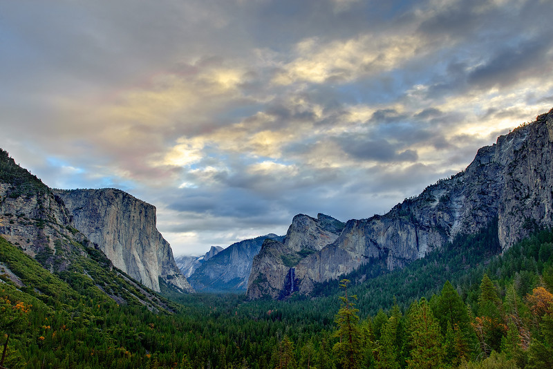 Tunnel-View-Clouds-Yosemite-National-Park-Bridalveil-Falls-Half-Dome-Copyright-JHarrison