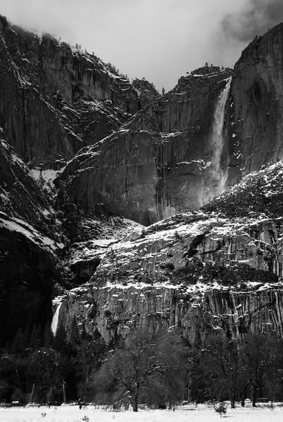 Yosemite Falls in black and white