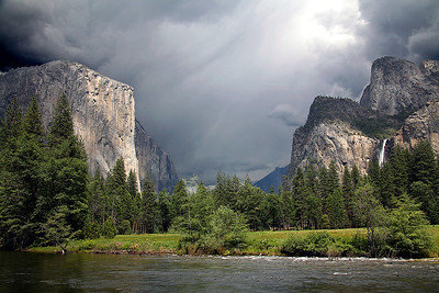 El Capitan and Bridalveil Falls - Yosemite National Park