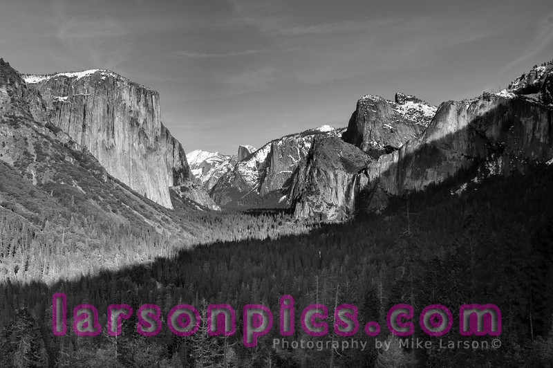 Tunnel View B & W