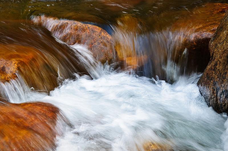 Flows below Mirror Lake