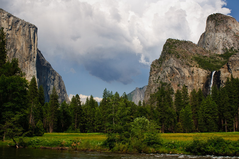 Gates to the Valley in Summer.  El Capitan and Bridalveil Falls in Summer.  DSC_5210