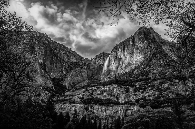 Image taken from Yosemite Valley with the 10-24.