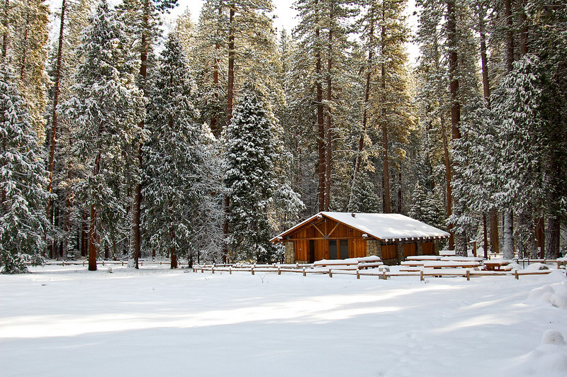 Yosemite falls Hut 0040