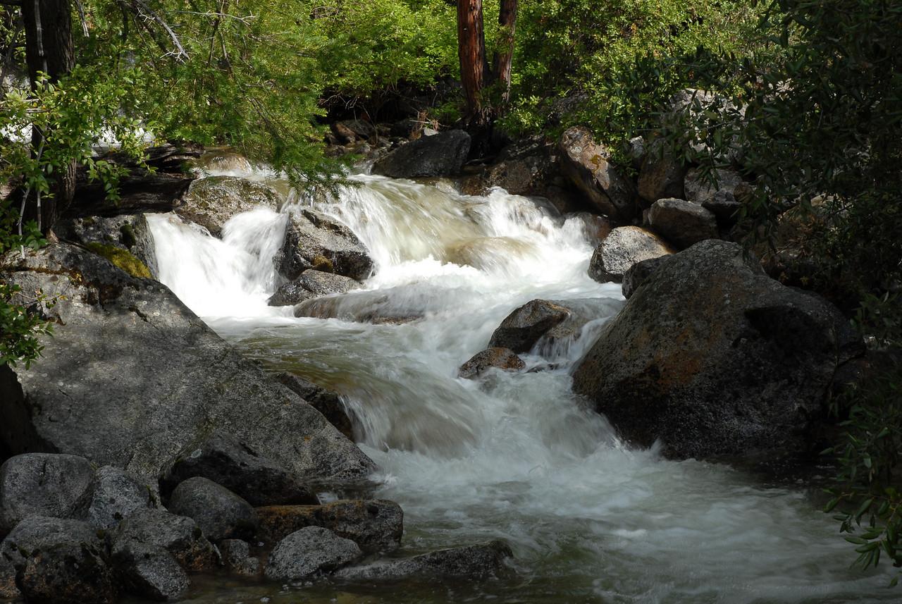 Run-off below falls after 2006 winter in Yosemite