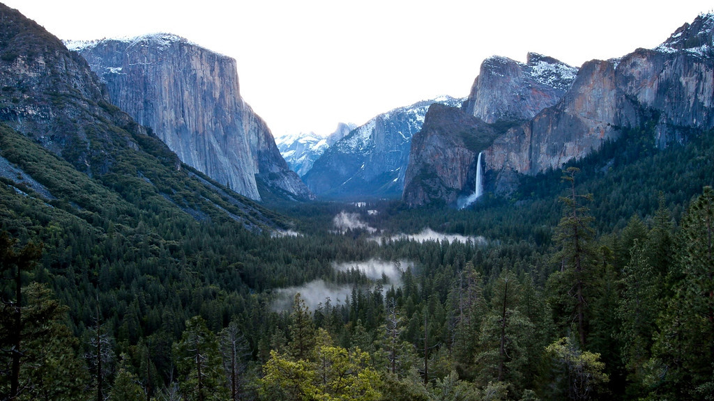Time-lapse of sunrise - Tunnel View, Yosemite