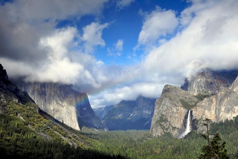 El Capitan & Bridalveil Falls, Tunnel View, Yosemite National Park