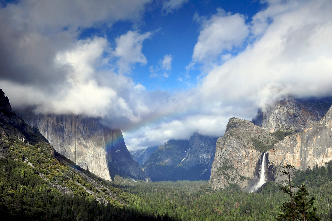 El Capitan & Bridalveil Falls, Tunnel View, Yosemite National Park