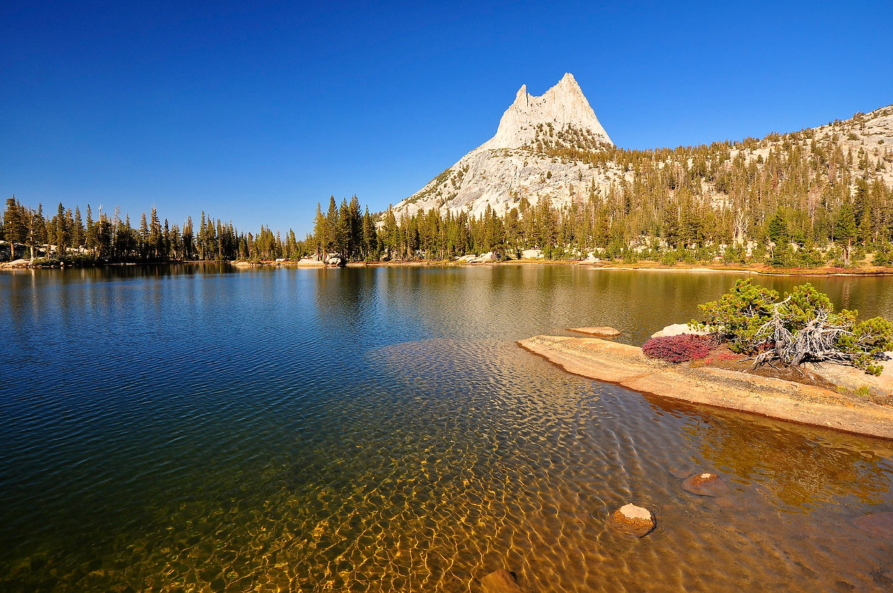 Upper Cathedral Lake, Cathedral Peak, Eichorn Pinnacle, Yosemite National Park.