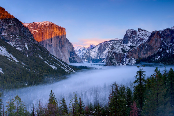 Sunset at Tunnel View in Yosemite