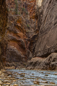 """Someone described this hike as """"walking on greased bowling balls for hours"""". That is not far from the truth. Smooth or level sections were rare, and the river bottom center was no different from the edges."""