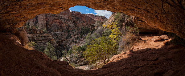 View From Canyon Overlook Trail Alcove - Zion National Park - Utah