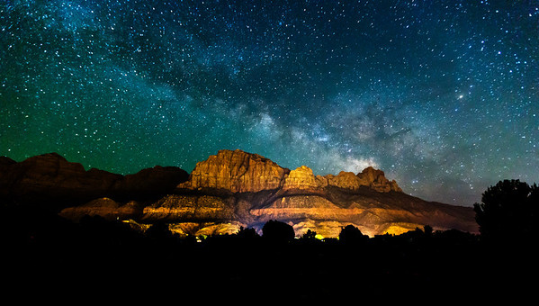 Zions Nation Park + Milky Way