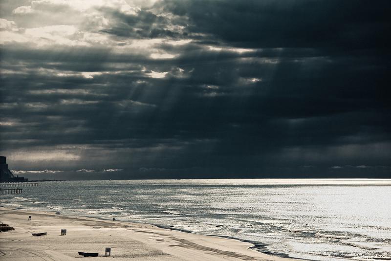 Ocean Light Rays