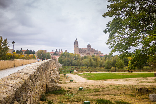Bridge to the old city of Salamanca