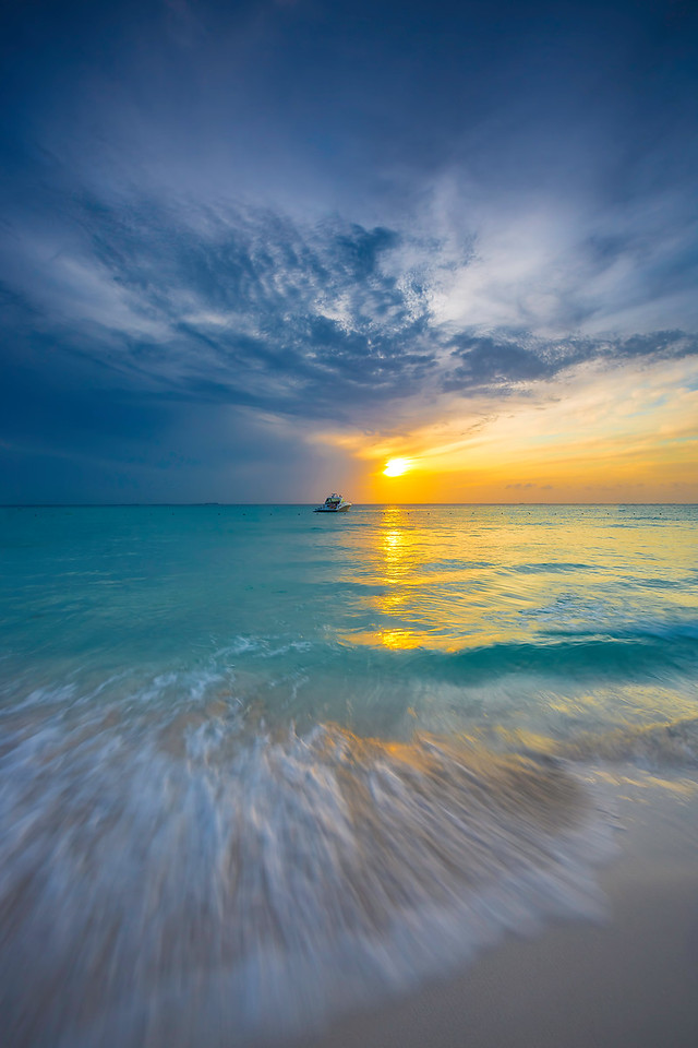 Isla Mujeras sunset.