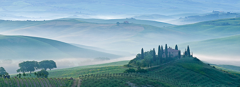 Dawn view of Val d'Orcia showing Belvedere and rolling Tuscan countryside, San Quirico d'Orcia, Tuscany, Italy, Europe