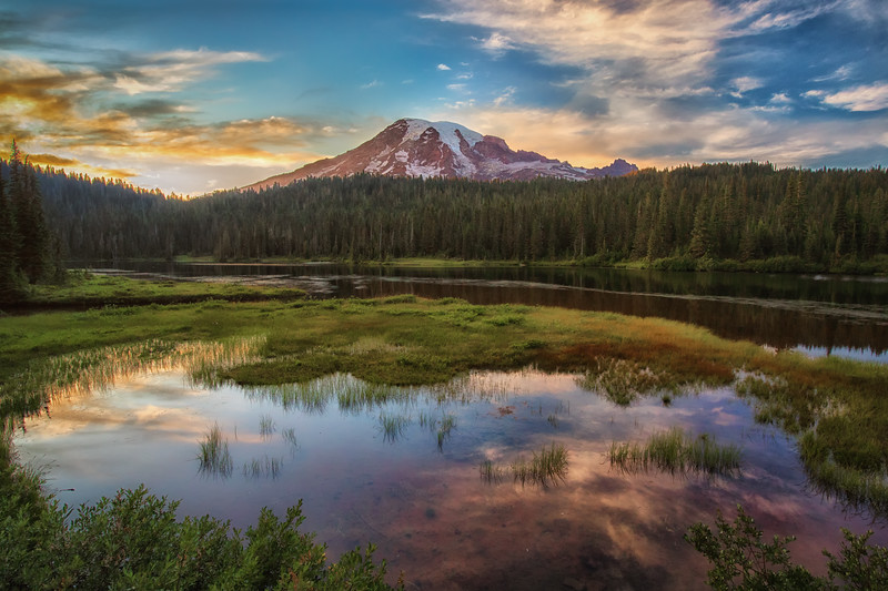Sunset at Mount Rainier, Reflection Lake.
