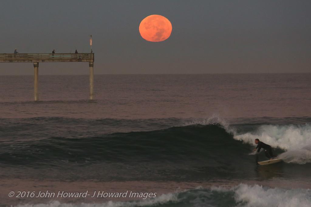 Supermoon, set over Ocean Beach 11-14-16, 7am