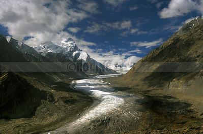 A23:Drang Drung Glacier in the Zanskar Valley on way to Rangdum, Ladakh Region
