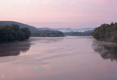 A foggy morning on the Susquehanna River (Mocanaqua)