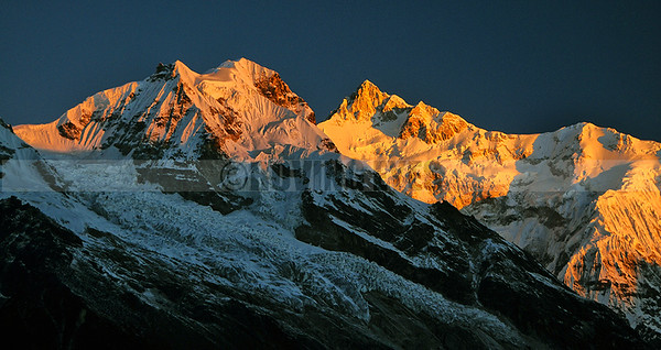 A28:First light on Mt Khangchendzonga and Forked Peak from Goecha la 1st view point on the Goecha la trek, West Sikkim