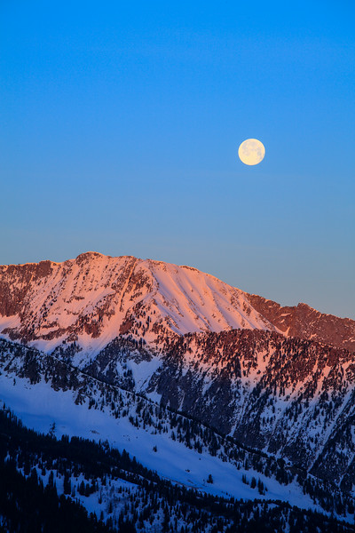 full moon over Coalpit Headwall at sunrise, Little Cottonwood Canyon