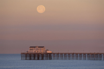 Moonset, Oceanside Pier, Ca