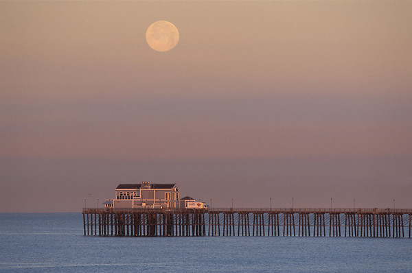 Moonset, Oceanside Pier, Ca