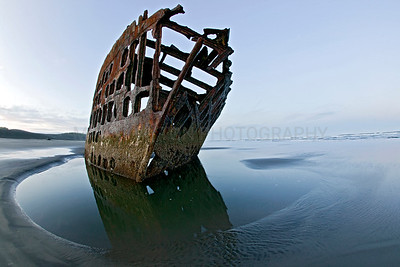 Peter Iredale Ship wreck  Ran ashore on  the Oregon coast on October 25, 1906.
