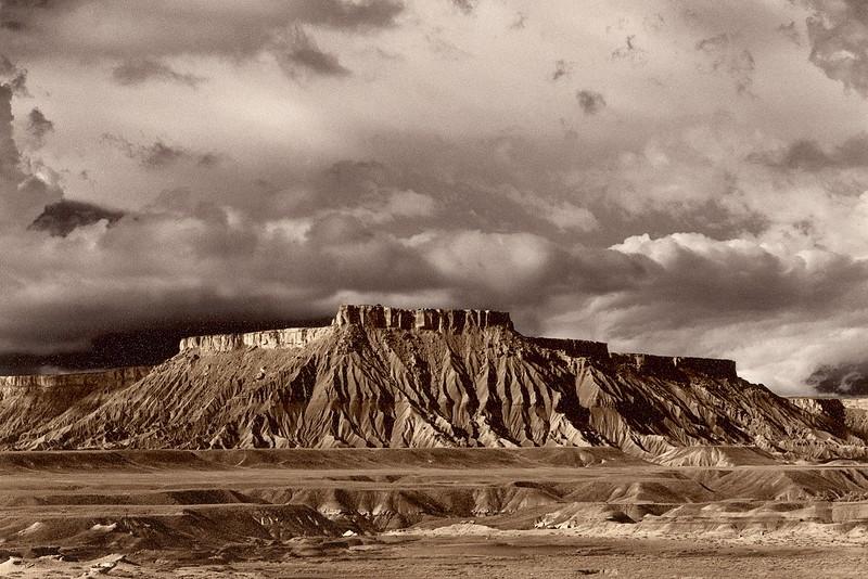 Caineville Mesa, South, Utah