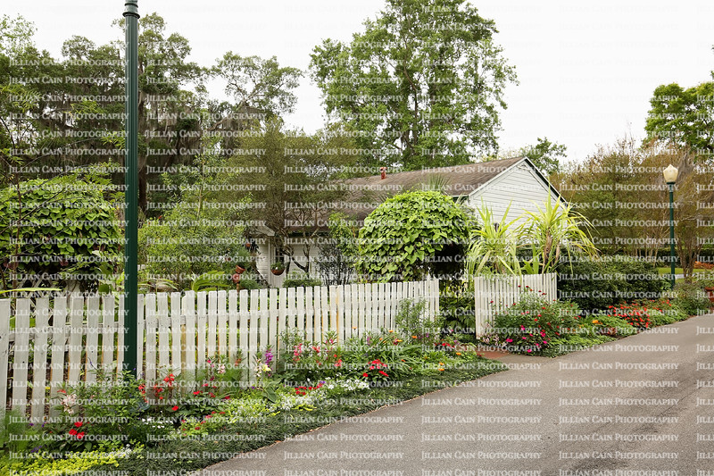 Harry P. Leu Gardens cottage includes a vegetable, herb and butterfly garden.