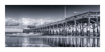 Newport Pier BW
