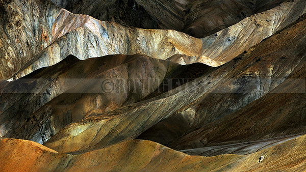 A21:Layer of mountains on the way to Srinagar from Leh, Ladakh region