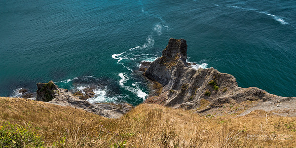 Cannon Beach, Oregon, USA  Canon EOS 6D w/ EF24-105mm f/4L IS USM: 28mm @ ¹⁄₁₀₀ sec, f/7.1, ISO 100