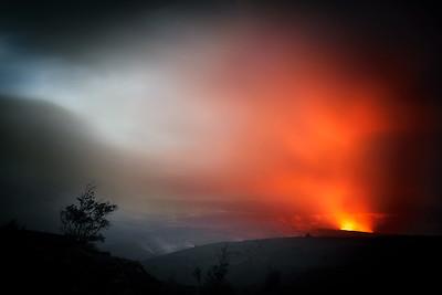 Lava Plume - Halemaʻumaʻu Crater